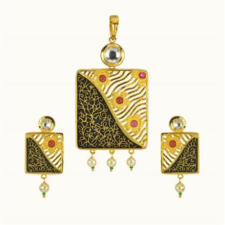 40130 Kundan Fusion Pendant Set with gold plating