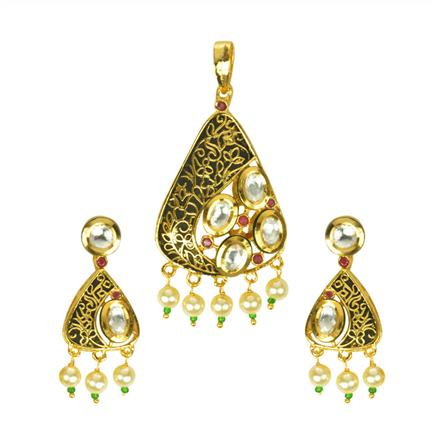 40132 Kundan Fusion Pendant Set with gold plating
