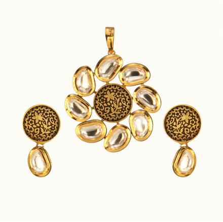 40139 Kundan Fusion Pendant Set with gold plating