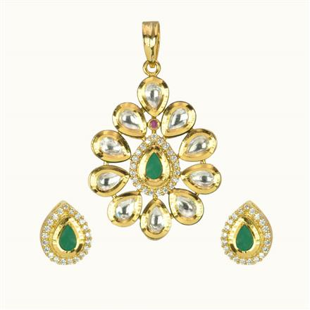 40141 Kundan Delicate Pendant Set with gold plating