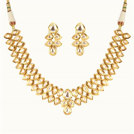 40173 Kundan Classic Necklace with gold plating
