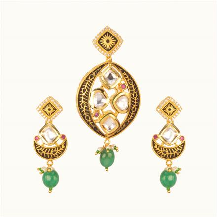 40205 Kundan Fusion Pendant Set with gold plating