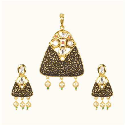 40207 Kundan Classic Pendant Set with gold plating