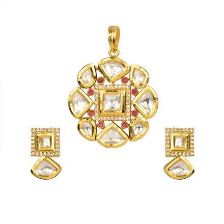 40359 Kundan Delicate Pendant Set with gold plating