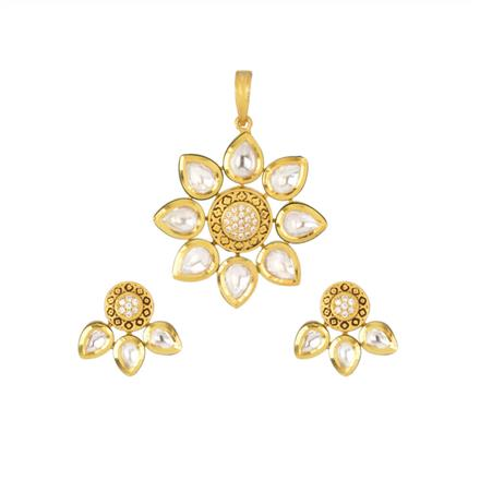 40367 Kundan Delicate Pendant Set with gold plating