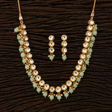41697 Kundan Delicate Necklace with gold plating