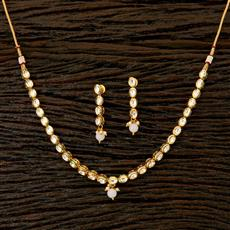 41761 Kundan Delicate Necklace with gold plating