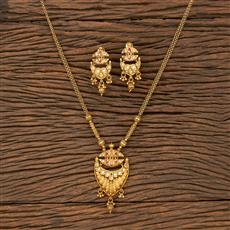 530134 Antique Mala Pendant Set With Matte Gold Plating