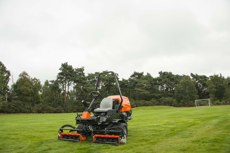 Ransomes TR320 is perfectly balanced | Landscape & Amenity