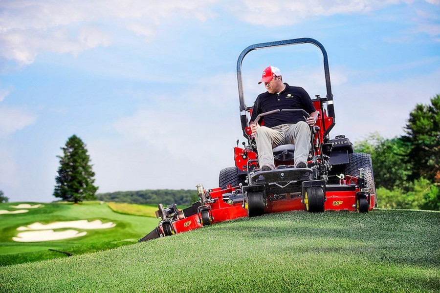 ZERO TURN MOWERS FOR TURF APPLICATIONS