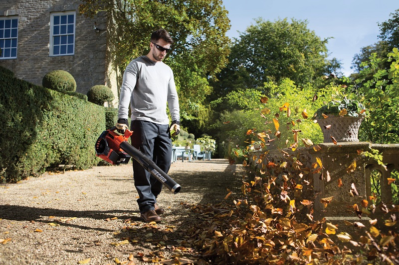 ECHO take on autumn with the DPB-600 power blower