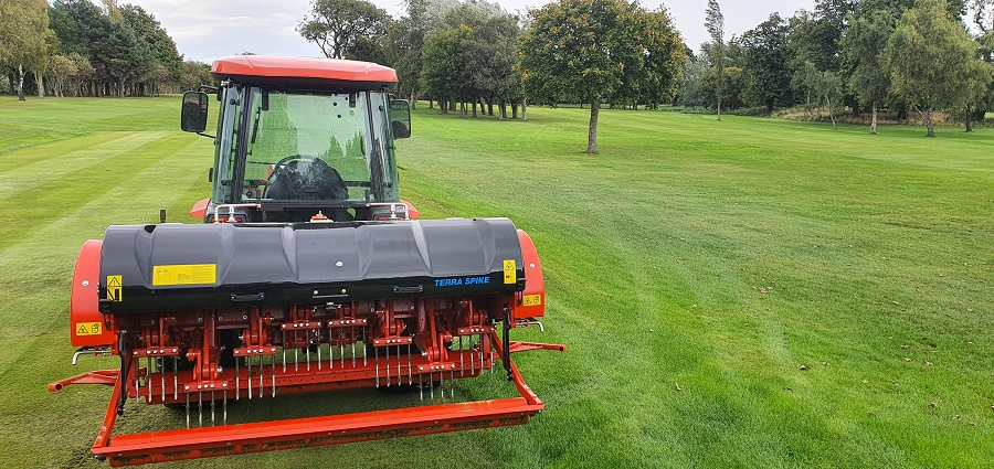 All year-round aeration for Duddingston GC with Wiedenmann Terra Spike GXi8 HD