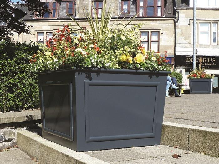Birmingham BID find traffic calming use for pots