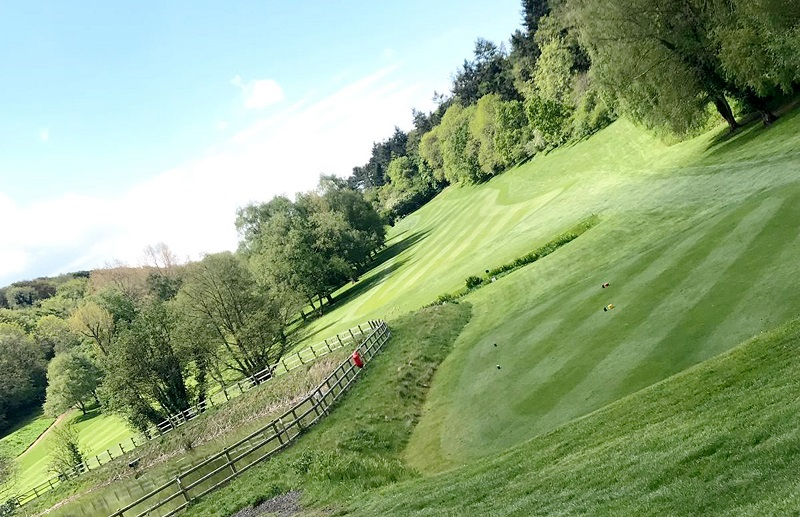 Advice and support secures the switch to Johnsons Sports Seed for Clevedon GC
