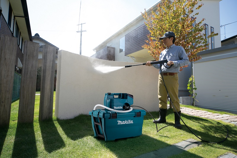 Makita launches new cordless LXT Pressure Washer