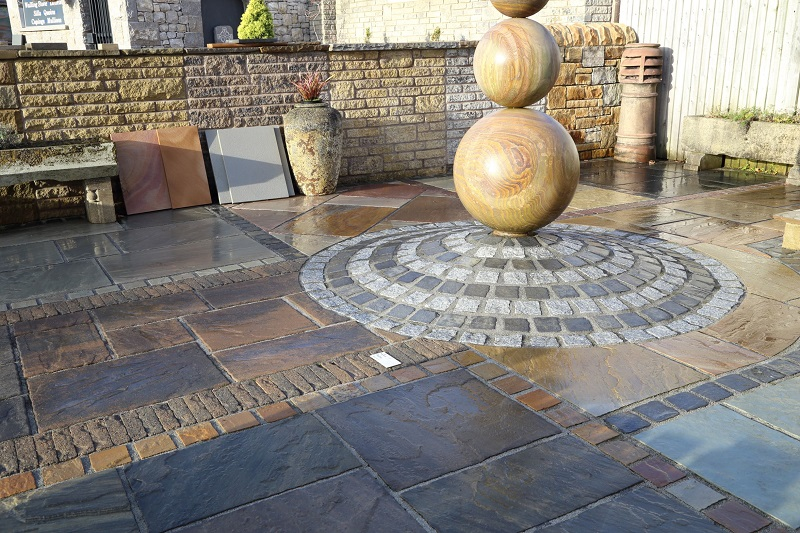 Carnforth paving display uses vdw850 pointing