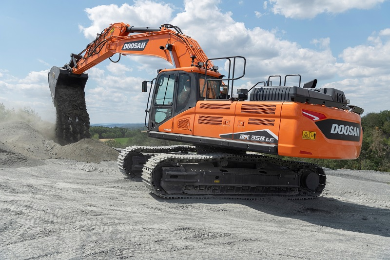 New DX350LC-7 Stage V excavator with D-ECOPOWER