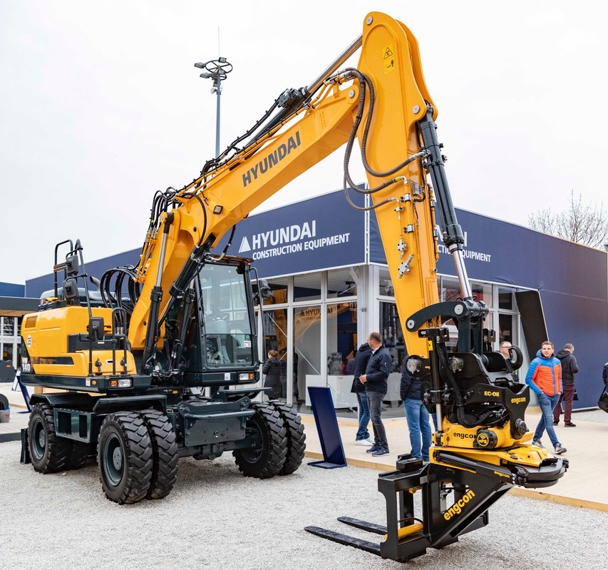 Hyundai partners with Engcon