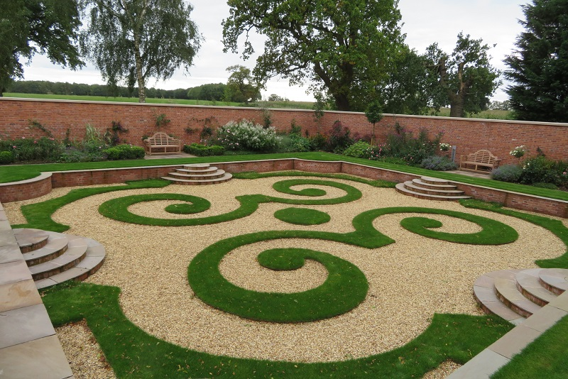 EverEdge offers quality steel landscape edging systems