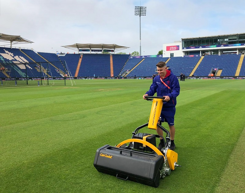 UltraGroomer gets to grips with unwanted accumulations at Glamorgan CCC