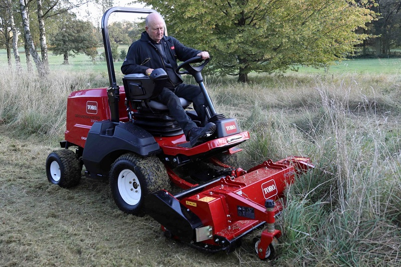 Toro leads the way of Stage V compliant out-front rotaries
