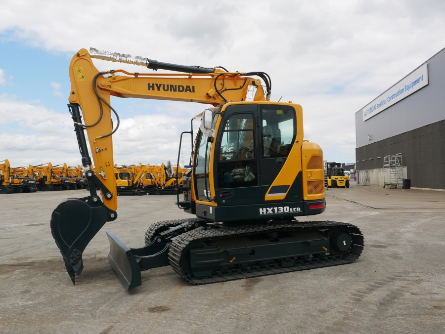 Hyundai Construction Equipment launches two-piece boom version