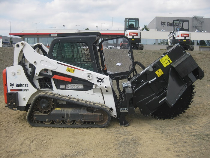 New WS-SL20 wheel saw attachment from Bobcat