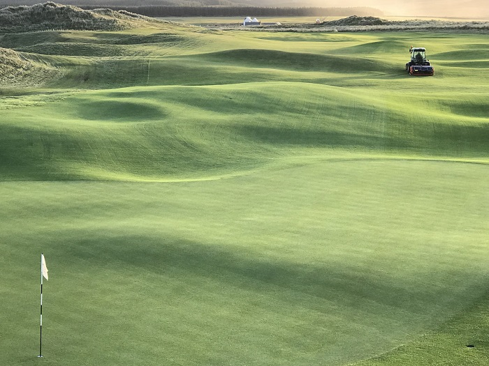 Wiedenmann eases over Islay's Machrie Links