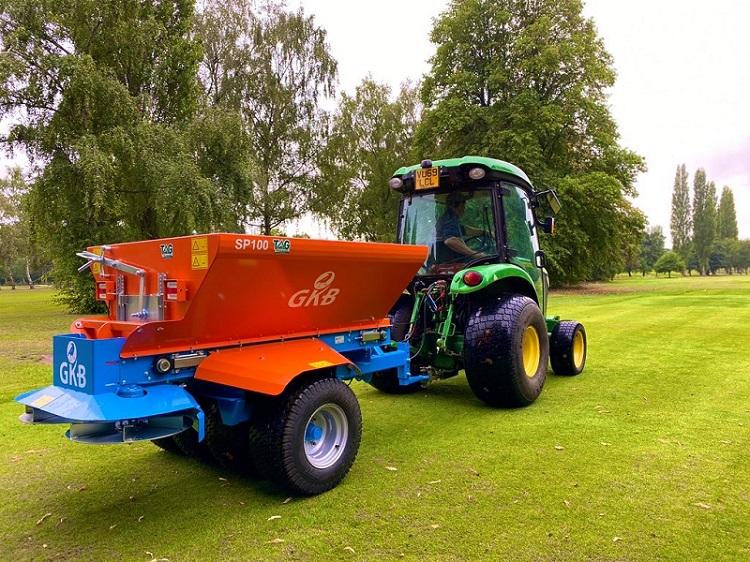 GKB Sandspreader fulfils aspirations for Drayton Park Golf Club
