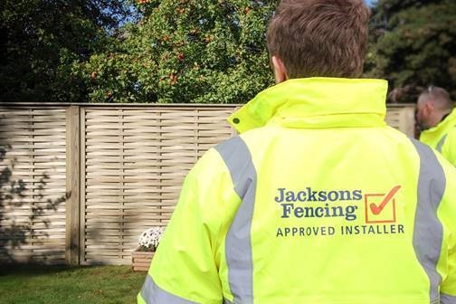 Jacksons Fencing introduces its nationwide approved installer programme