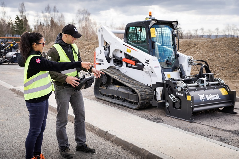 New remote control launch for Bobcat loaders