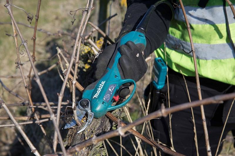 New Makita cordless backpack pruning shears