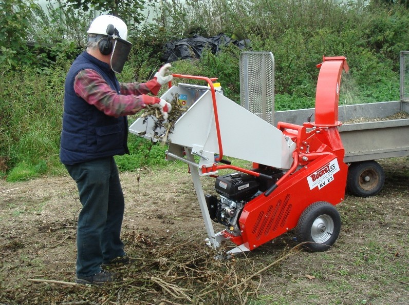 New compact chipper and shredder from Rytec