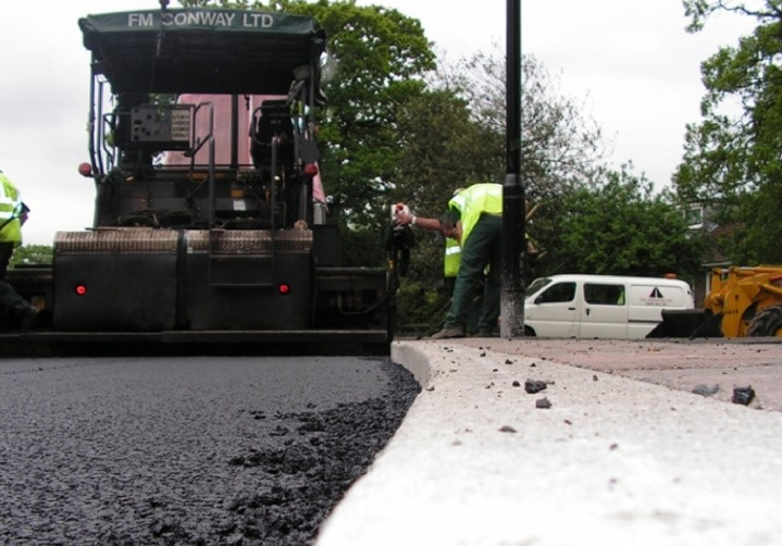 Extra funding to local authorities for road maintenance