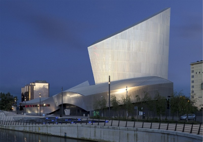 Imperial War Museum North illuminated by Sill