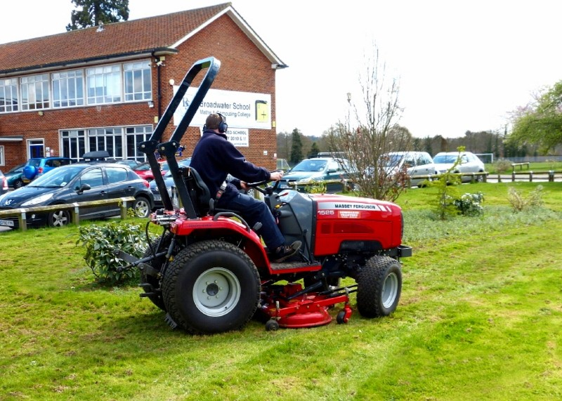 School awards top marks to MF tractor and local dealer