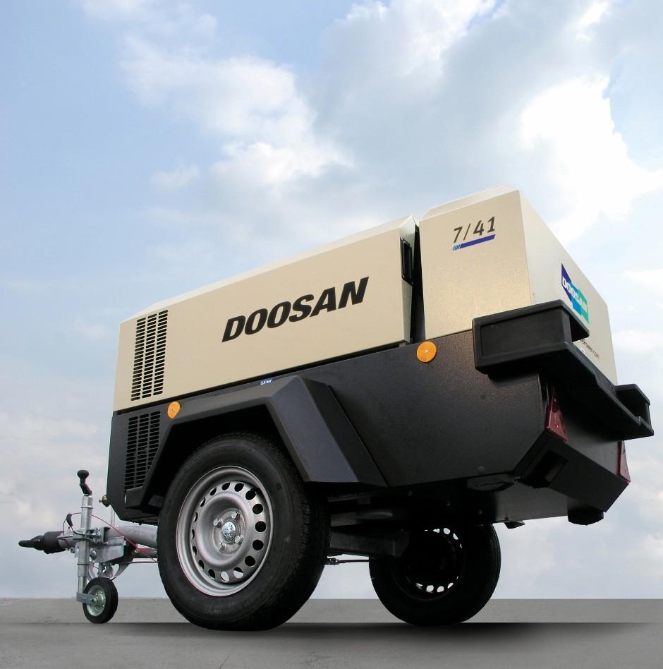 Doosan, Bobcat and Montabert products at EHS 2014