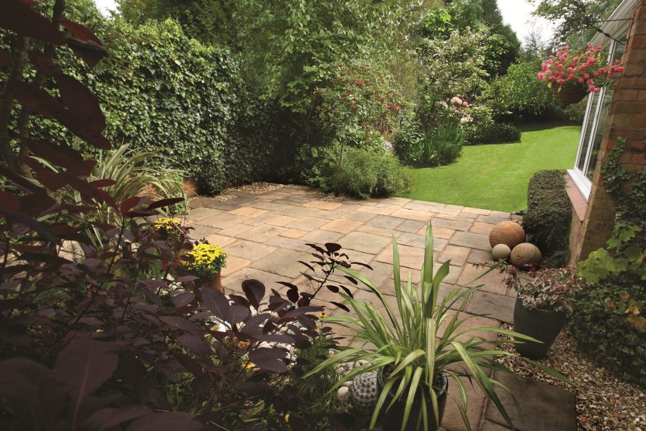 Travis Perkins launches gardens and driveways brochure