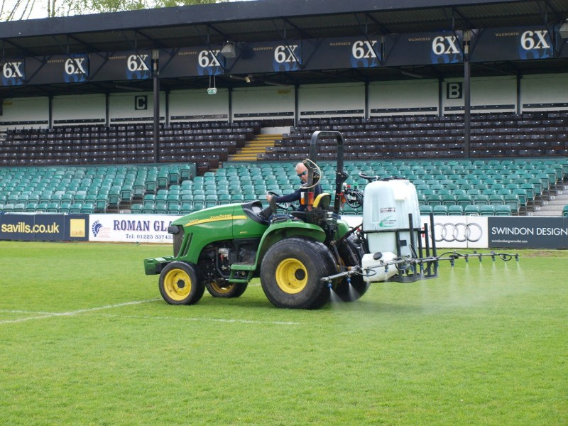 NEW SPRAYER GETS TOP SCORE FROM BATH RUGBY CLUB