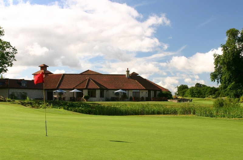GOLF CLUB AND HOTEL  WIN WITH BIOMASS