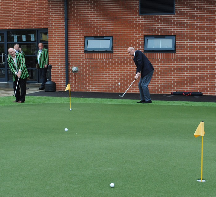 HUXLEY GOLF HELPS HEROES WITH NEW GOLF PRACTICE FACILITY
