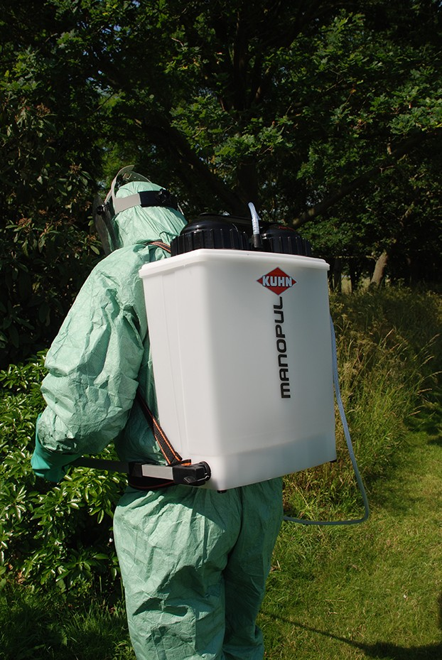 Win a KUHN Manopul D15 knapsack sprayer