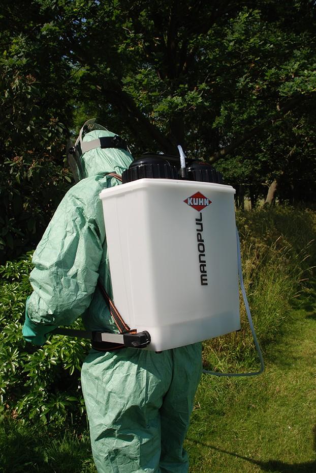 Win a KUHN Manopul D15 knapsack sprayer