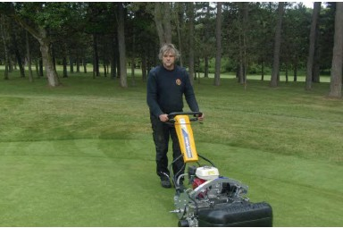 ATT INFiNiSystem helps club switch to hand mowing