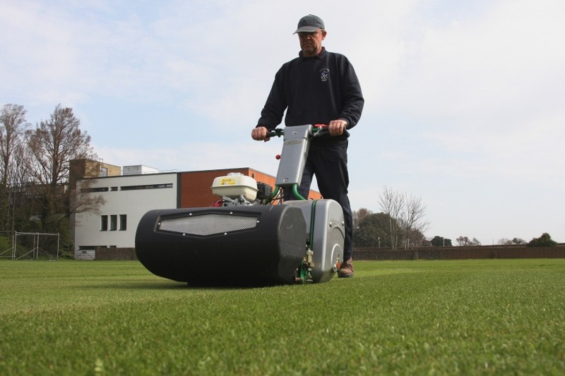 """Dennis Razor has """"˜every feature needed for a fine turf mower'"""