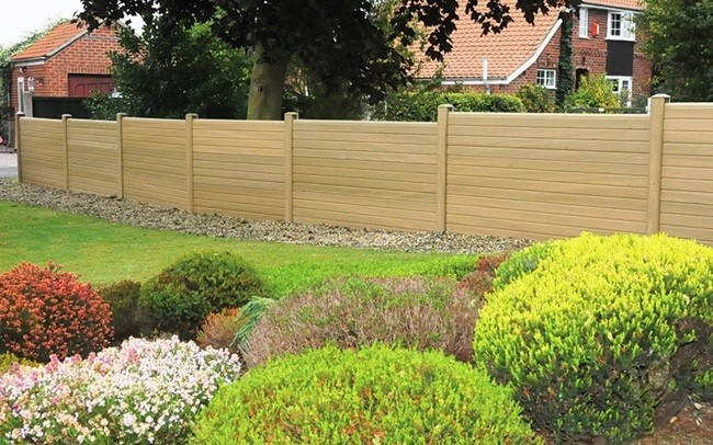 Eurocell offers labour-saving alternative to timber fencing