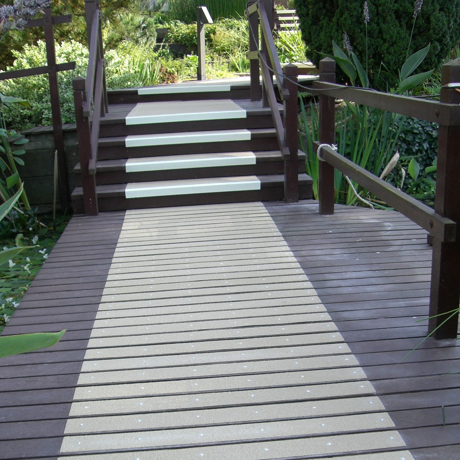 Simple, Quick Easy Solution For Slippery Decking