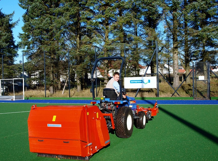 Wiedenmann's RK 120 Z sweeper for both natural and synthetic