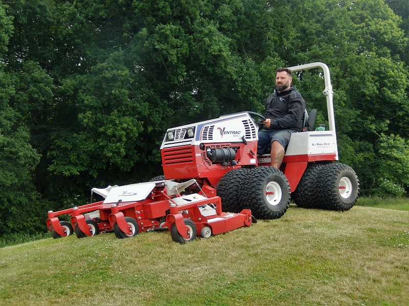 Successful year as Price Turfcare returns to SALTEX