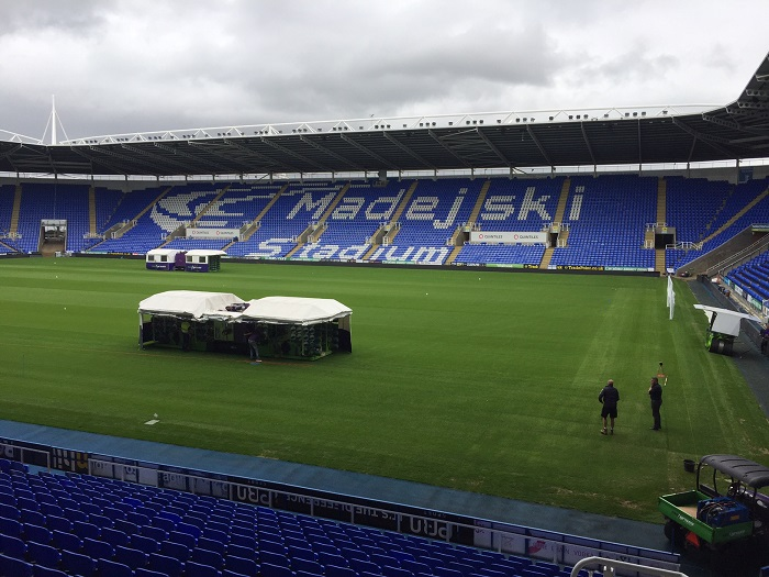 Reading have a pitch fit for Royals